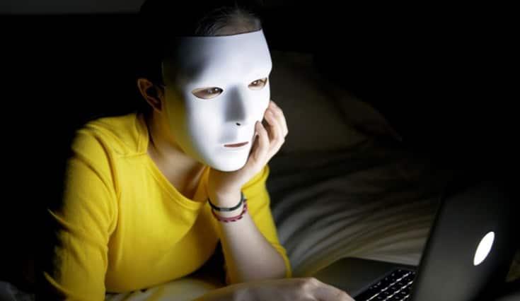 I profili Fake nel dating online: Come riconoscerli?